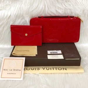 ❌ SOLD ❌ Louis Vuitton Red Vernis Daily Organizer